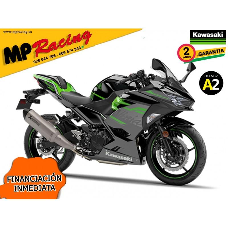 Moto Kawasaki Ninja 400...